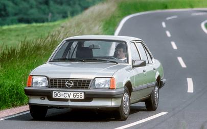 Πριν από 30 Χρόνια, η Opel ήταν ο 1ος Κατασκευαστής Αυτοκινήτων που Προσέφερε Τριοδικό Καταλύτη, στον Στάνταρ Εξοπλισμό