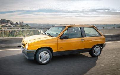Πρεμιέρα στο IAA: Το Νέο Opel Corsa Συναντά ένα Σπάνιο Corsa GT
