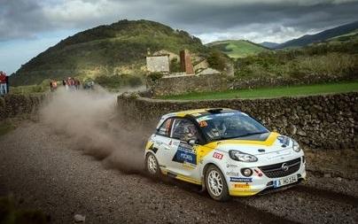 Στο βάθρο η ομάδα ADAC Opel Rallye Junior στις Αζόρες