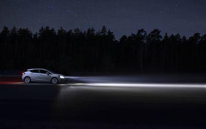 Τεχνολογία Φωτισμού για Όλους: Το Opel Astra Κάνει τη Νύχτα Μέρα